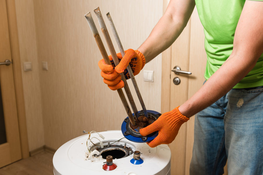 How to prevent and remove rust from a water heater.
