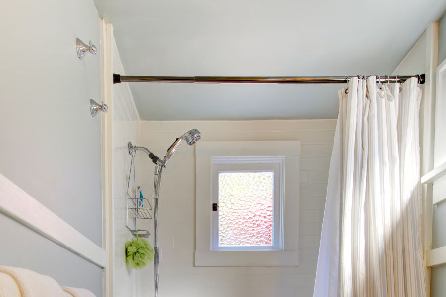 Best rust-proof shower curtain rods in 2021.