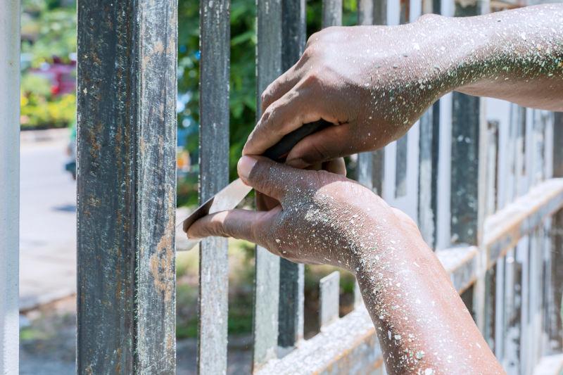 DIY ways to remove paint from metal (vinegar, scraper, etc).